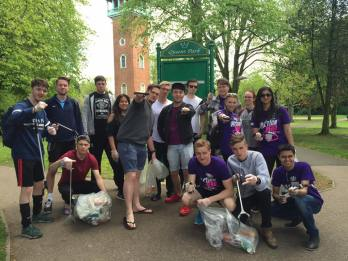Big Community Clear Up event - University Students